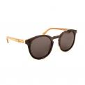 Alternative Series - <p>Les lunettes en bois de la<strong>Alternative Series</strong>d'Ozed mixent élégamment le bois à l'acétate pour un look finalunique et innovant. Fabriquées à partir de matériauxéco-responsables, ces lunettes de soleil vous protégeront efficacement grâce à desverres polarisantsen polycarbonate tout en gardant énormément de style.</p>