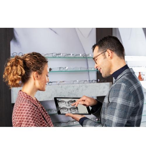 VISUREAL MASTER - Découvrez un système de centrage numérique design et innovant qui s'intègre parfaitement à votre agencement. En magasin, il détermine automatiquement, avec précision, toutes les données de centrage nécessaires à la parfaite adaptation de votre porteur. Rapide et confortable, vous n'avez plus besoin d'une installation encombrante pour prendre des mesures parfaites.