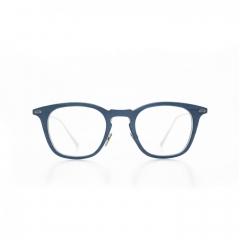 Jean - Le classicisme décalé de cette lunette aux contours adoucis en fait un objet tout à fait fascinant, pour un regard plein d'intelligence. Collection Renaissance