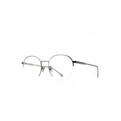 Buschdoktor Silver Gunmetal - Si vous êtes à la recherche d'une paire de lunettes robustes tout en ayant l'air filigrane, le titane est le choix idéal. Le titane est un matériau extrê- mement stable, flexible et résistant à la corrosion, particulièrement uti- lisé dans les domaines de l'aérospatiale et de la chirurgie. Nos montures en titane allient un design avant-gardiste à à l'artisanat de précision, tan- dis que la touche plutôt industrielle contraste avec l'aspect naturel de nos lunettes en bois, elle établit un lien avec notre collection de montres.