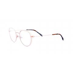 Collection Koali - 20061 - La collection Koali de Morel s'adresse aux femmes d'aujourd'hui, en concevant des lunettes sophistiquées et audacieuses. Une créativité toute maîtrisée, qui inscrit cette collection haute en couleurs sur un positionnement créateur affirmé.   La mode féminine est largement inspirée par le glamour des années 60, avec ses lunettes aux formes papillonnantes et aux couleurs poudrées. Une tendance que Morel a capté dans sa nouvelle collection Koali, tout en y insufflant son propre style. Car s'il y a bien un domaine dans lequel la marque excelle, c'est celui de la confection de montures en métal – et la dernière collection Koali en est la preuve ultime.  Pour créer des formes généreuses et papillonnantes, Morel a donc misé sur une construction audacieuse : une face composée de deux cercles en métal. Un premier cercle classique, surmonté d'un second aux formes plus audacieuses. Un « trompe l'œil » du plus bel effet pour cette monture « deux en un » aux lignes épurées et aériennes. Un design tout en légèreté, pour un style résolument élégant.