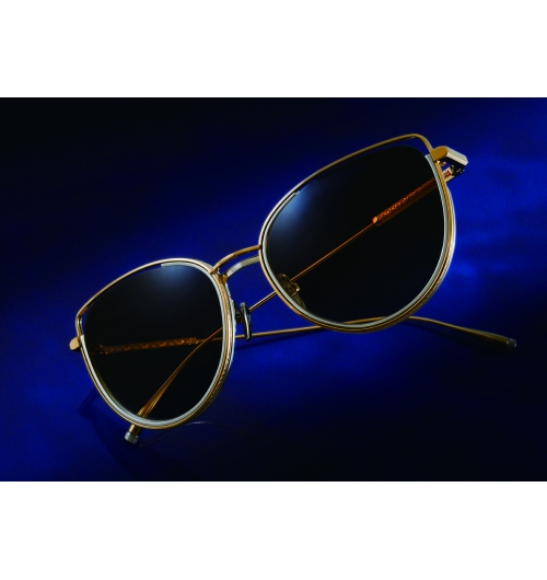 AMARYLLIS - AMARYLLIS est une lunette de soleil aux formes d'œil de chat avec toute la construction Titan, inspirée par l'esthétique japonaise de l'espace.